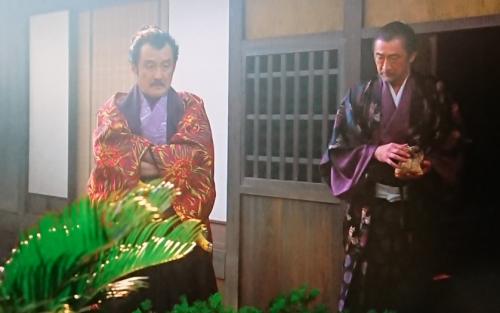 吉田鋼太郎と大塚明夫4