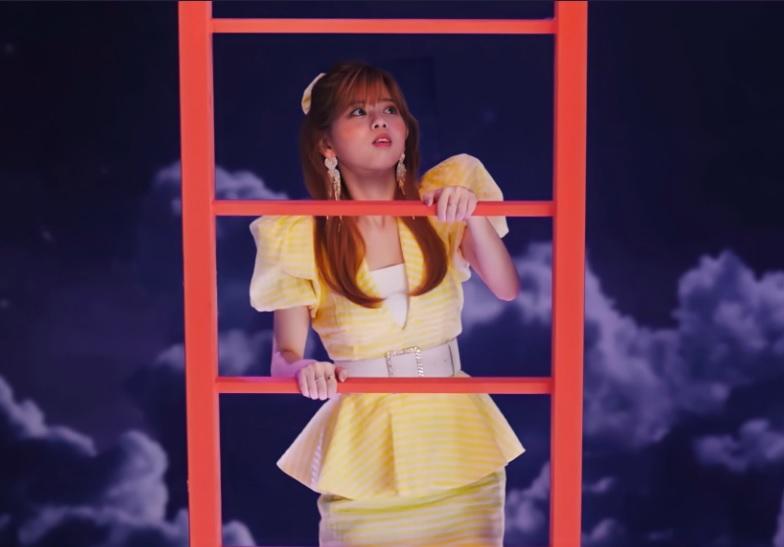 RIKUステステのハーフアップで梯子を上る